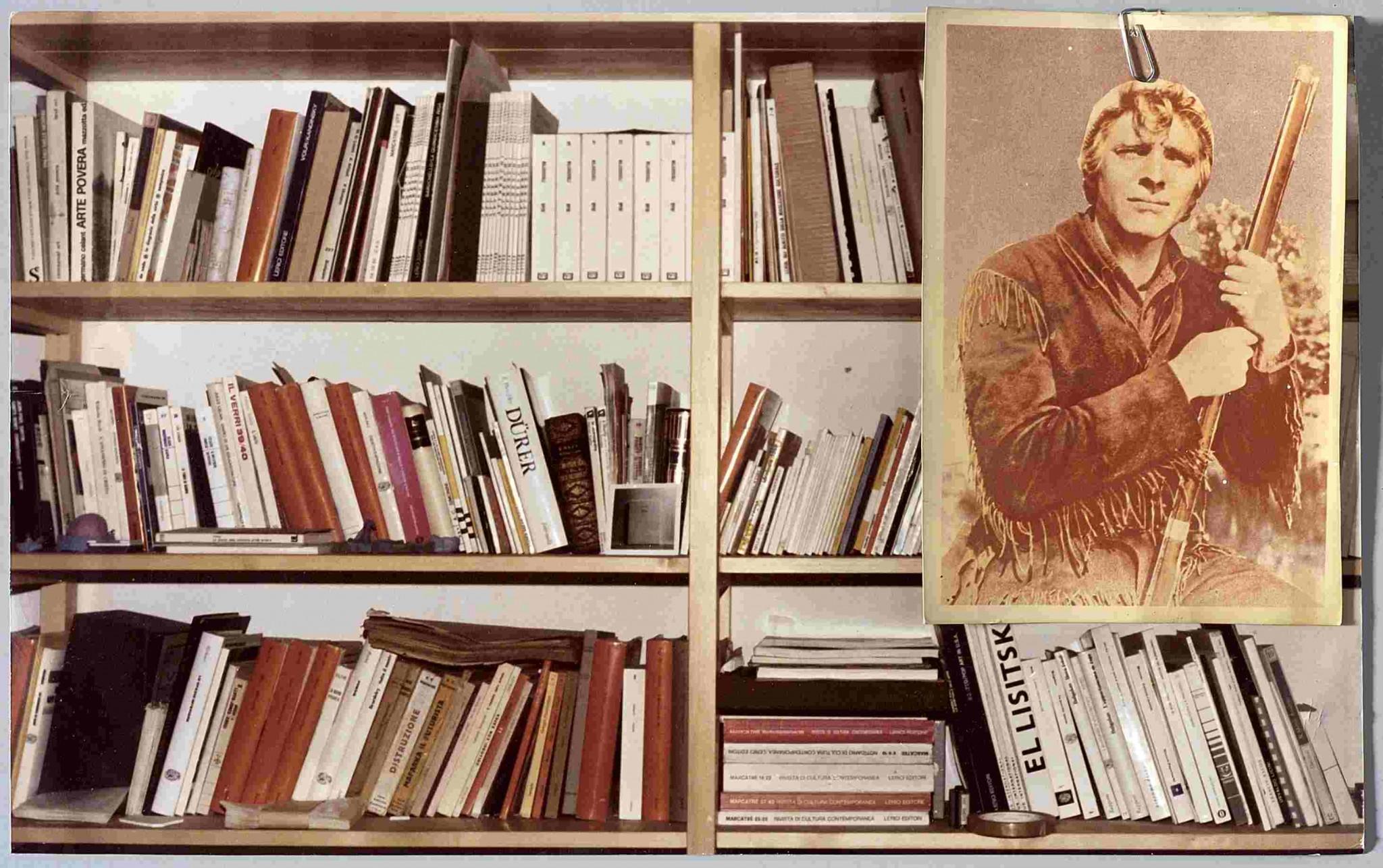 F. Guerzoni, Avventura a guardia della libreria, 1978, cartolina e foto originale cm 23x37, collaborazione fotografica con Luigi Ghirri