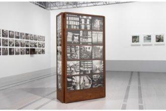 Piccole storie fotografate di uomini e di oggetti al MAST di Bologna
