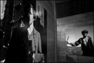 Vivian Maier <br>fotografa immensa <br> a sua insaputa