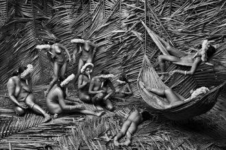 """raccontare la """"genesi"""" della terra <br>  con le immagini di salgado"""
