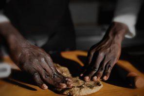 """""""A mano libera"""", un piccolo successo alimentare racconta un grande processo culturale."""