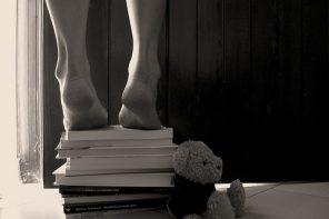 Passeggiando a piedi nudi tra i libri