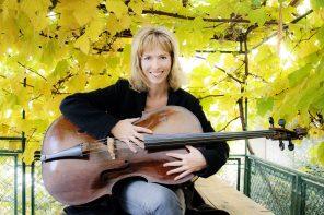 """Catherine Jones: """"Ho la fortuna di portare musica dentro e fuori di me"""""""